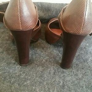 Gianni Bini Shoes - Gianni Bini Stack heel peep toe 7.5 euc